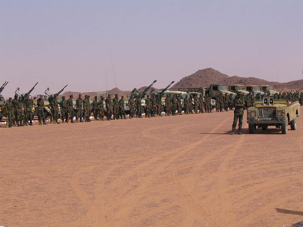 Manifest de denúncia els fets que s'han anat desencadenant al Campament de Gdeim Izik i a la ciutat ocupada d'El Aaiun, per part de l'Exèrcit del Marroc
