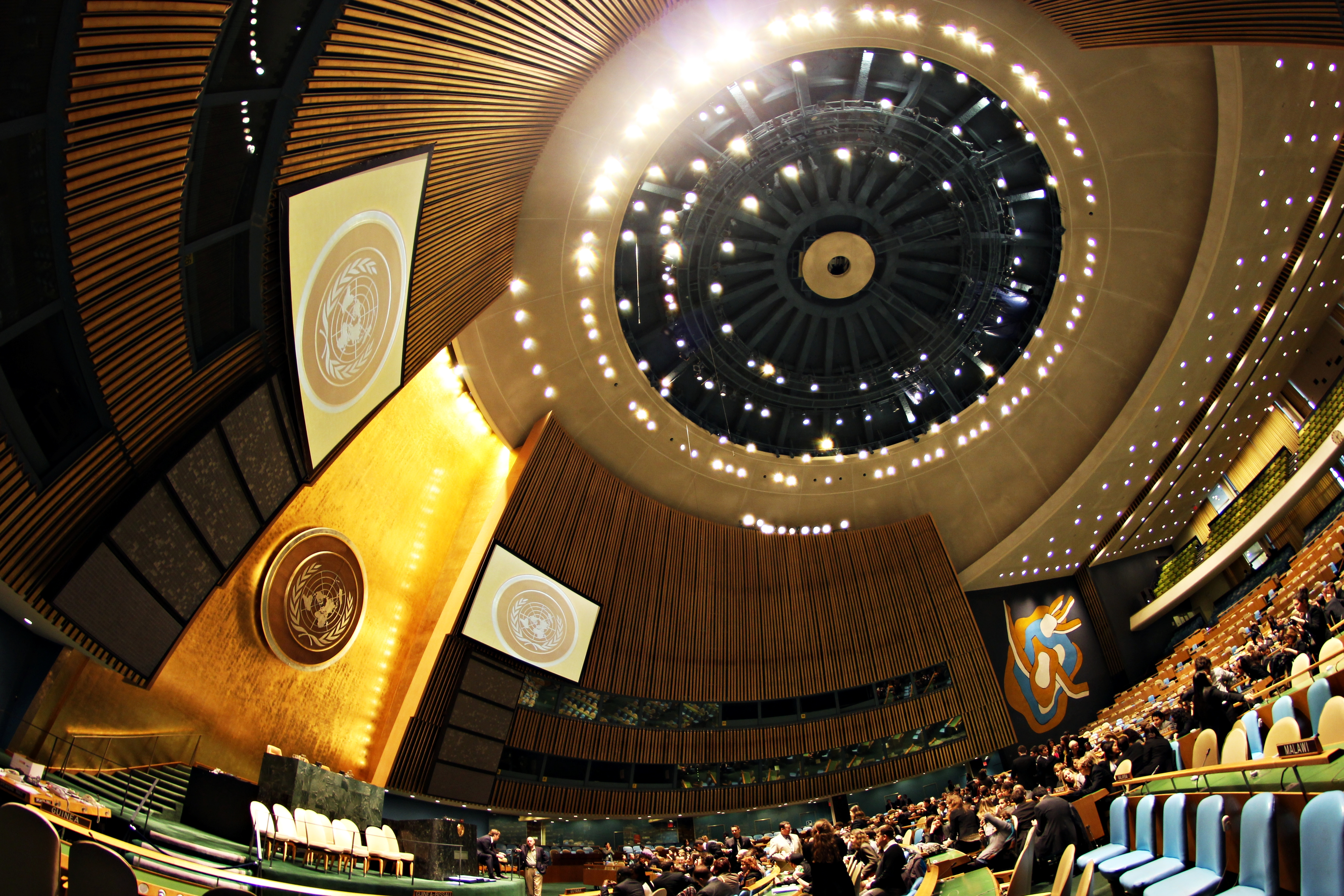 Transformem Nacions Unides en l'instrument central de la governança democràtica mundial