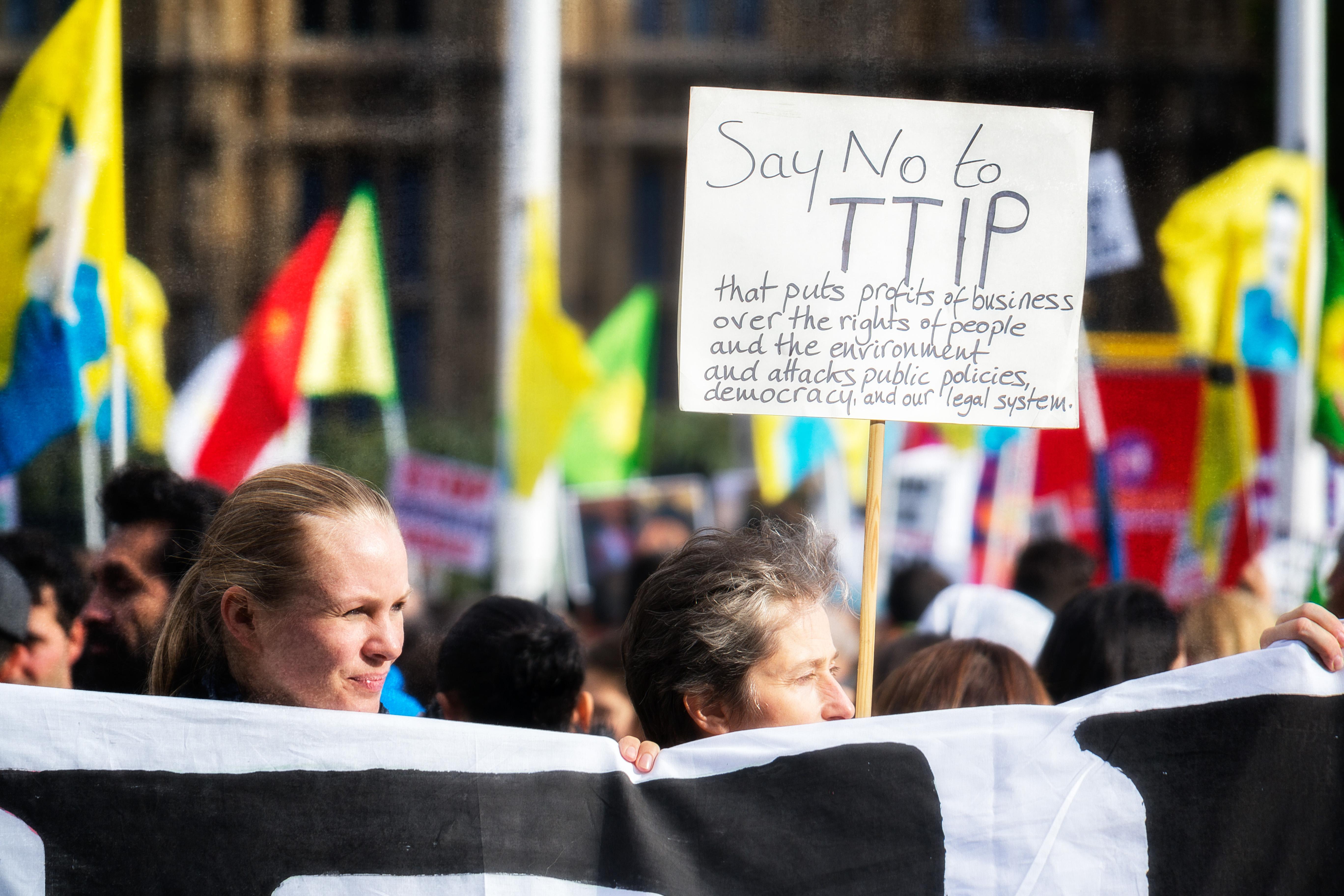 Tratados de Libre Comercio Transatlánticos: ¡Mal tiempo para los Derechos!